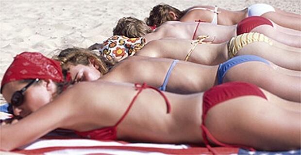 La Costa del chirurgie : L'Espagne façonne les corps pour la plage